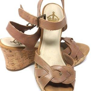 Crown Vintage Tan Clog Sandals Women's Size 7